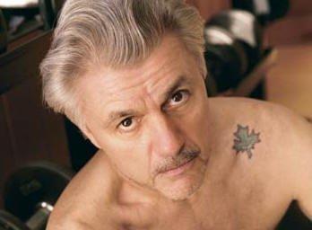 """愛書家日誌 в Twitter: """"ジョン・アーヴィングは2つタトゥーを入れ ..."""