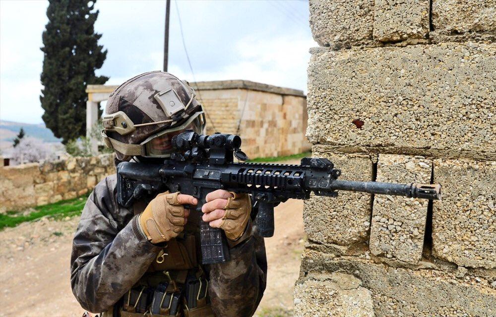 Guerre Civile en Syrie ( LISEZ LE PREMIER POST ! ) - Statut spécial  - - Page 14 DXRdRfmXkAEQnHt