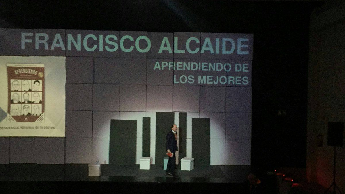 En #AIC17 y #AprendiendoDeLosMejores...  Ahora con @falcaide... Esto sigue in crescendo!!!