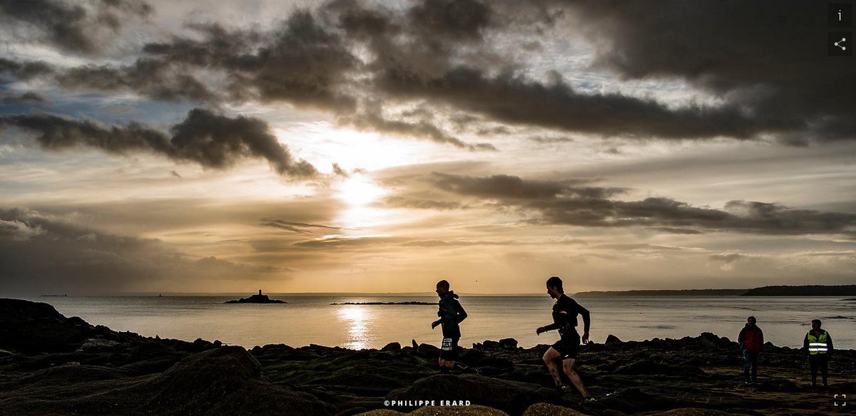 Le photographe Philippe Erard vient de mettre en ligne son reportage #photo sur le #trail Glazig : quelle lumière, quelle ambiance ! On est gâté, merci ! https://t.co/sIoWKqrxbT