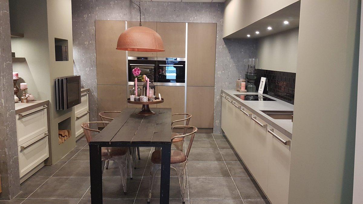 Tolle Benutzerdefinierte Küchenschranktüren Online Galerie ...