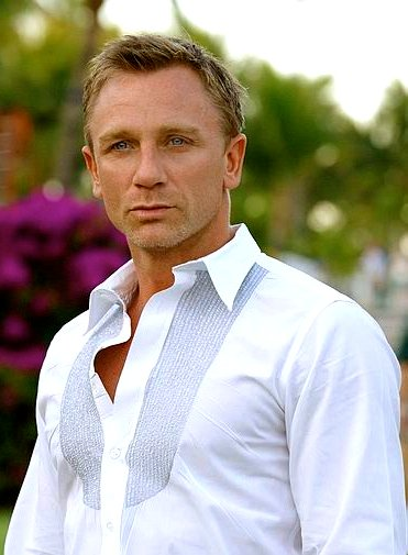 Happy Birthday-Daniel Craig