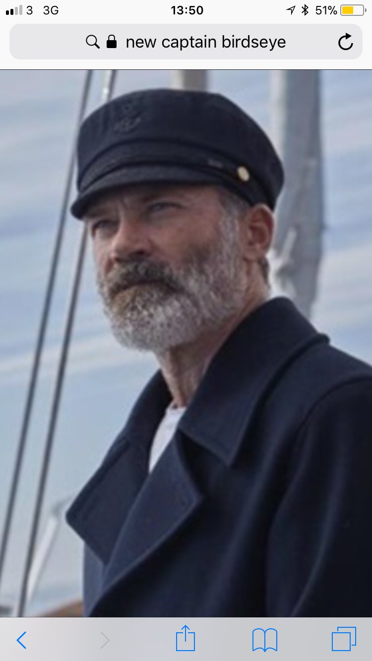 The new fish finger captain birds eye 😍😍😍😍😍 #inlove https://t.co/8oaMuEGNMZ