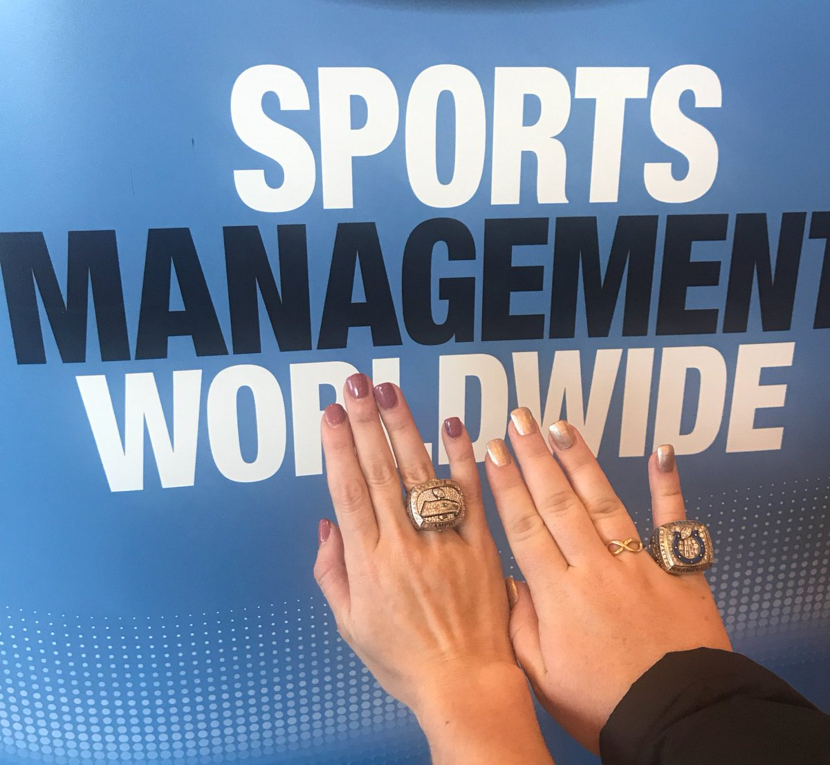 4fe1bd90bf945 ... Super Bowl rings during lunch! We will stop by your table so you can  get your photo taken...  smww18  SuperBowl  xlviii  xli pic.twitter .com PF0ucbAO8Q