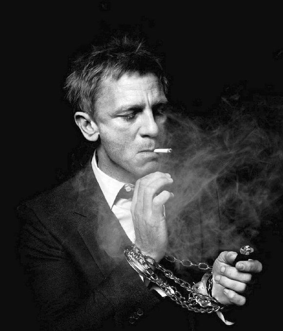 Happy Birthday to Daniel Craig who turns 50 today!