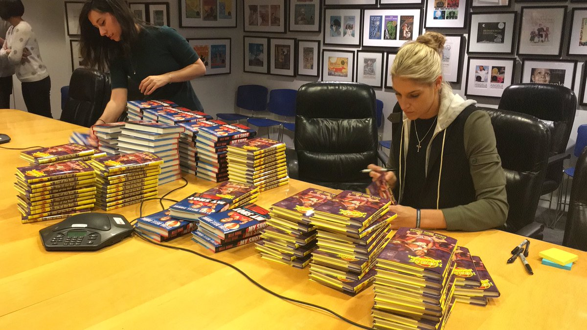 Elena Delle Donne On Twitter Come See Me Tomorrow At Books And