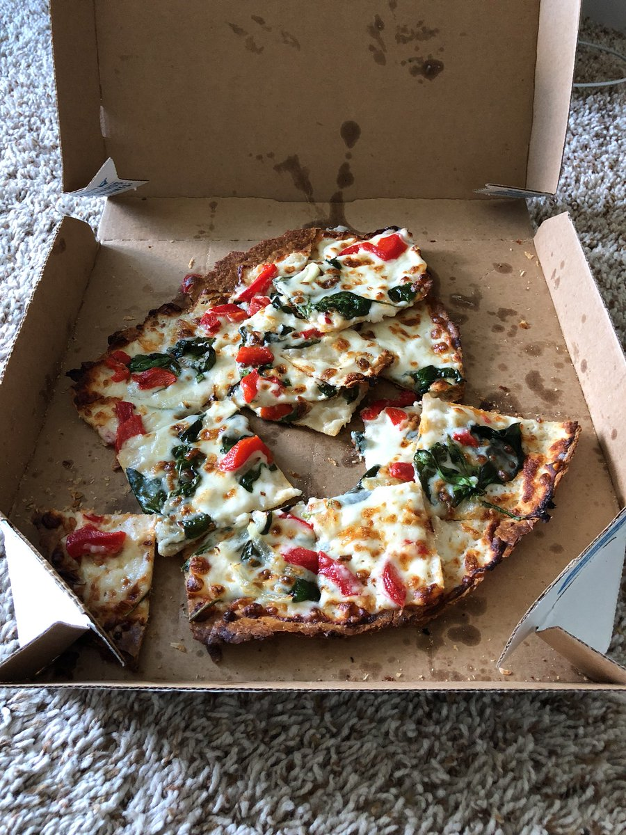 @dominos Really? Get it together!pic.twitter.com/6eTQamZZb4
