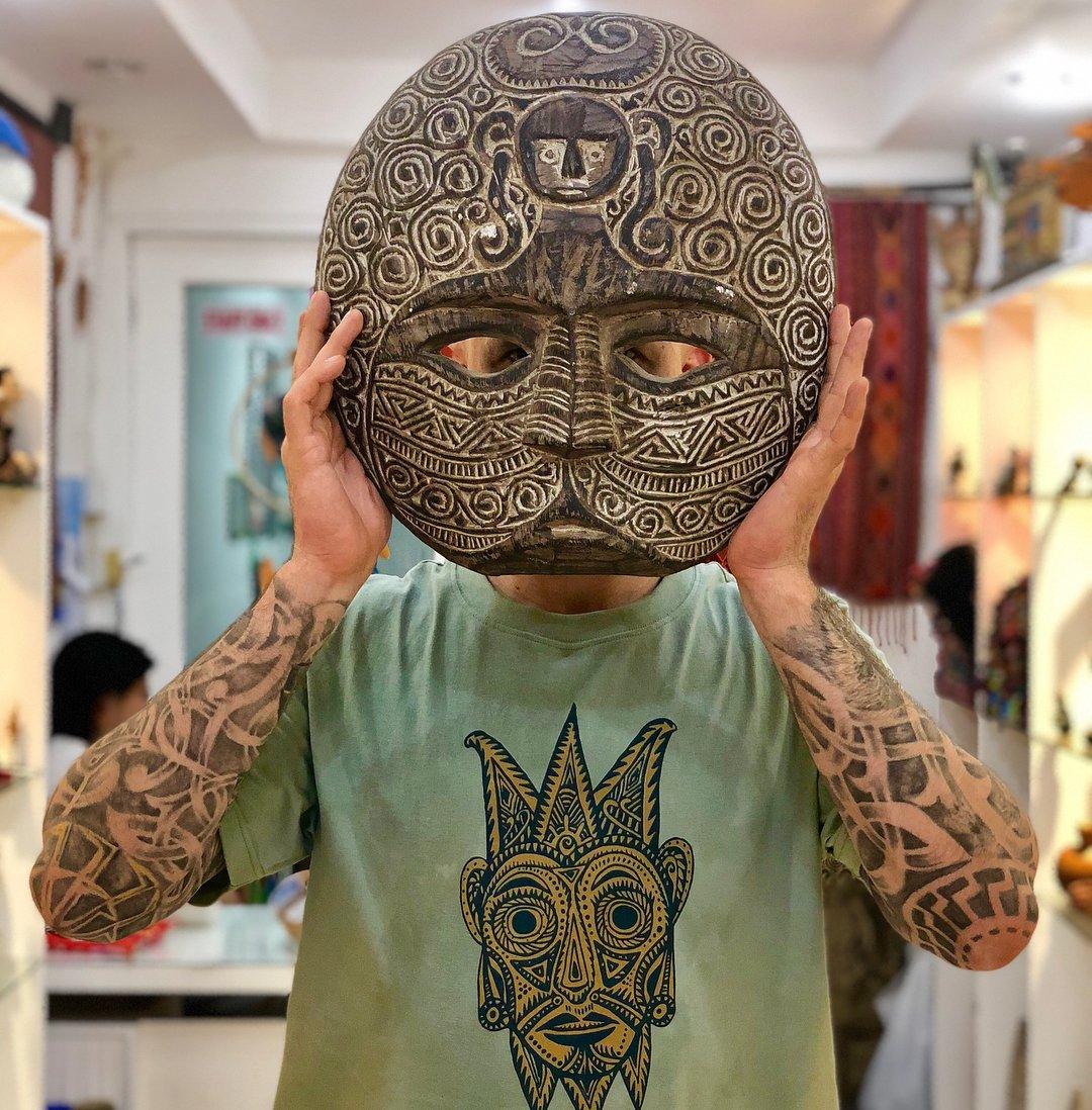 фото этнических татуировок для гостиной