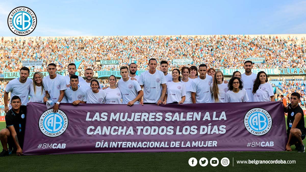 Belgrano salió a la cancha homenajeando a las mujeres contra Patronato