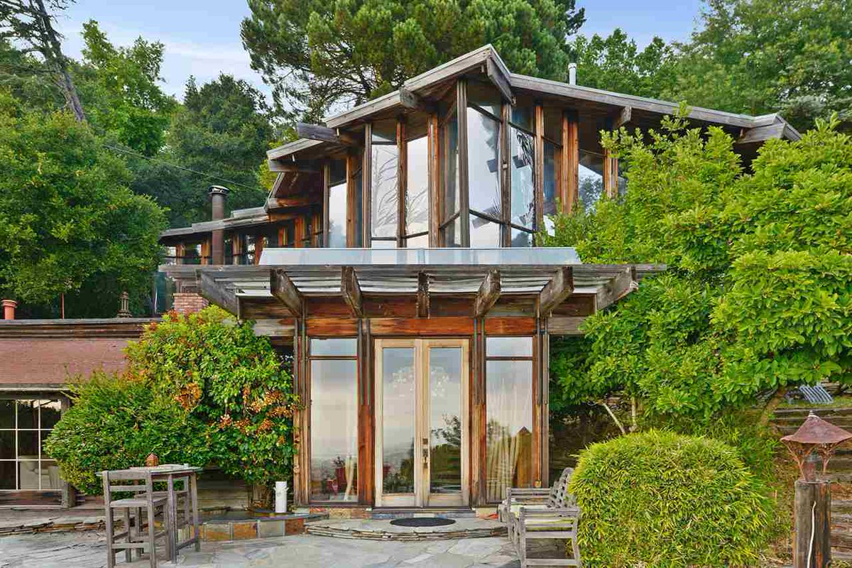 Stunning Daniel Liebermann home now accepting $400K less — and Bitcoin https://t.co/ushHXpGXwt