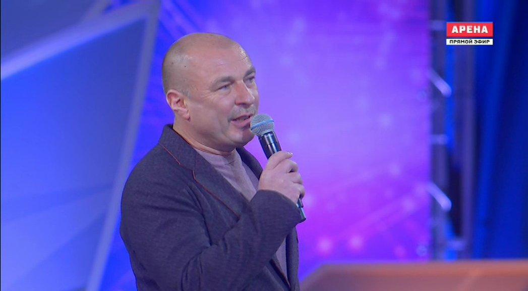 Ледовые шоу-5 - Страница 4 DXYBcafWAAA-erY