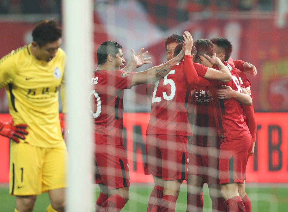 Карраско и Гайтан проиграли 0:8 в дебютном матче за Далянь Ифан в чемпионате Китая - изображение 2