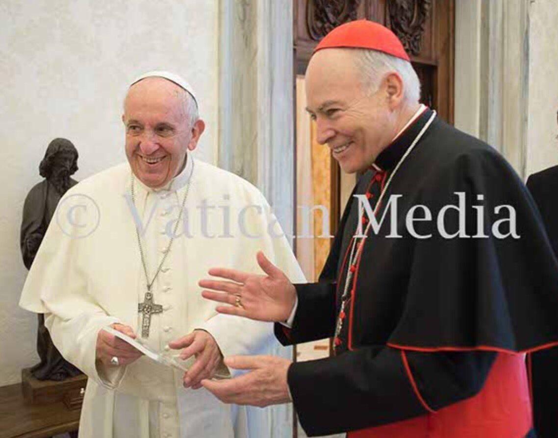 Les comparto con mucha alegría que hoy me recibió @Pontifex. Me pidió que recemos por él, pues sabemos que desde el inicio de su Ministerio se presentó necesitado de la oración y bendición del pueblo, y así lo reitera frecuentemente en cada ocasión pública y privada