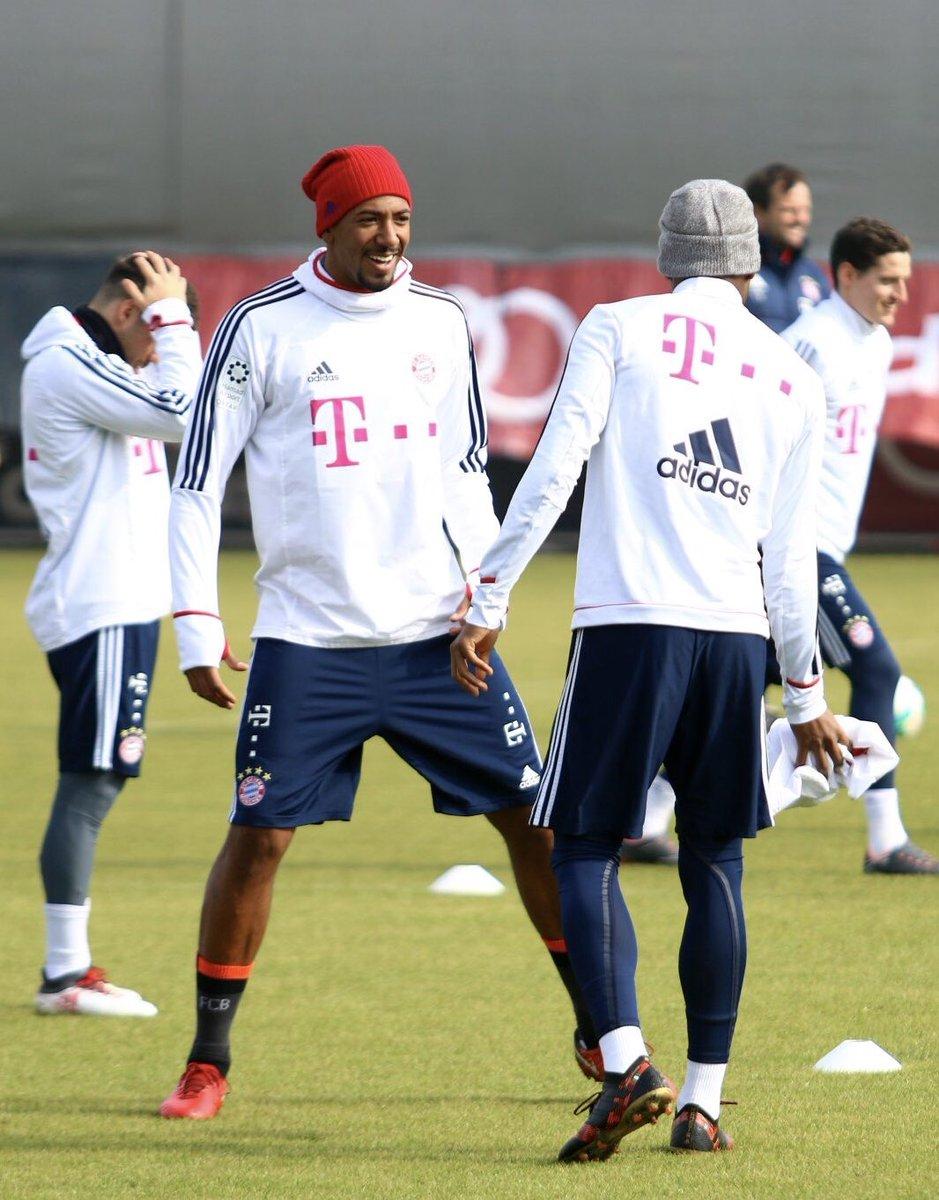 Ready for Freiburg ⚽️😃 https://t.co/6CfY...