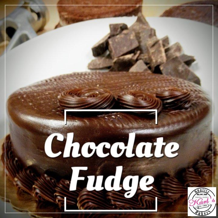 Chocolate Fudge Cake #karlsbakery #sweetestbakeryinamerica #phoenixtreats #chocolatefudge #bakery #phoenixbakery #sweetestbakeryinamericacompetition #fudgecake #sweetestbakery