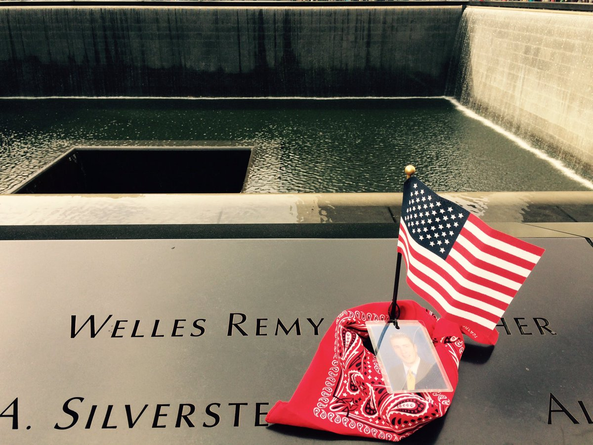 Beautiful visit @Sept11Memorial #NYC for #BCWoods Manresa Experience Retreat students remembering #ManinRedBandana @BCAlumni #WellesCrowther <br>http://pic.twitter.com/lKfcHTDFJ9