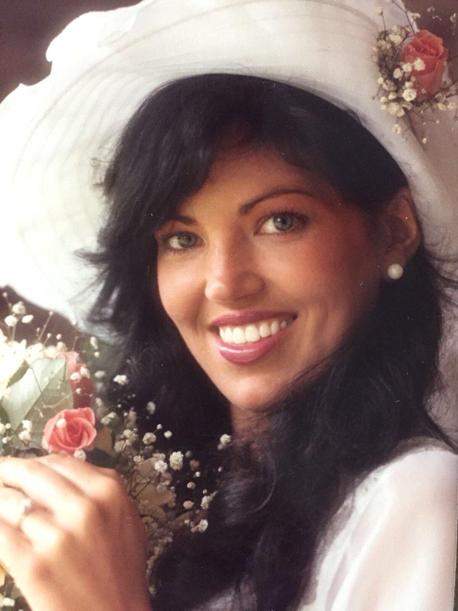 Olivia Pierson  - MOMMY 😍 Wed twitter @OliviaPierson