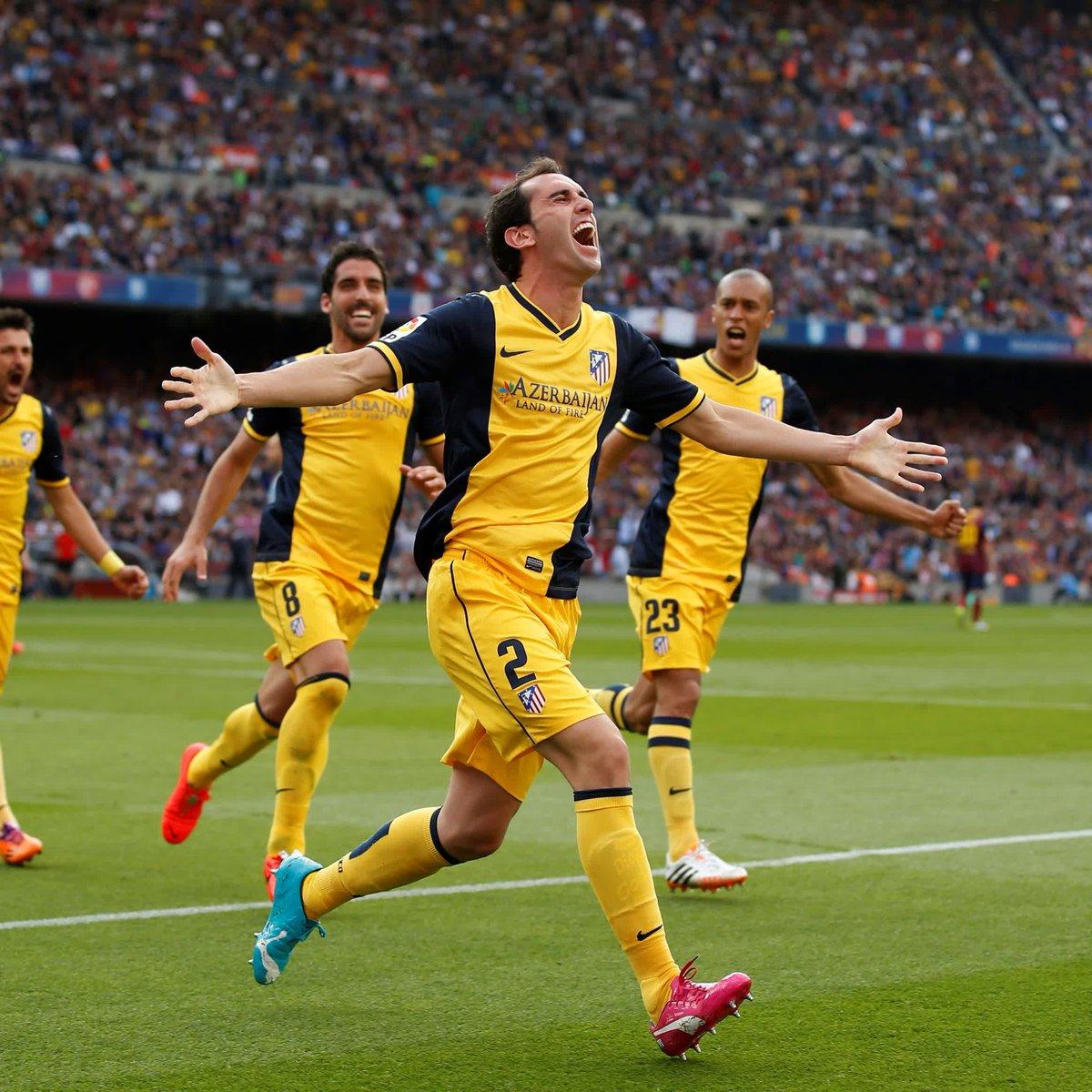 Las lesiones de Costa y Arda, el gol de Alexis Sánchez... Todo parecía perdido hasta que ¡la cabeza de @diegogodin apareció en el Camp Nou para hacer campeón de #LaLiga al @Atleti 18 años después! 😍🏆 #BarçaAtleti