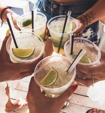 bebida dos outros jovens // minha bebida...
