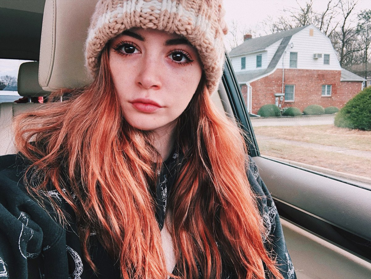 Chrissy Costanza Nude Photos 10