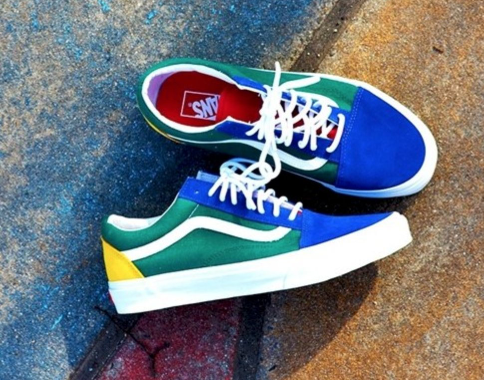 a6eb0debffac  RESTOCK Vans Old Skool  YACHT CLUB  is back in stock with FREE shipping!  BUY HERE  http   bit.ly 2FQLW6m pic.twitter.com C7qVx8oqbc
