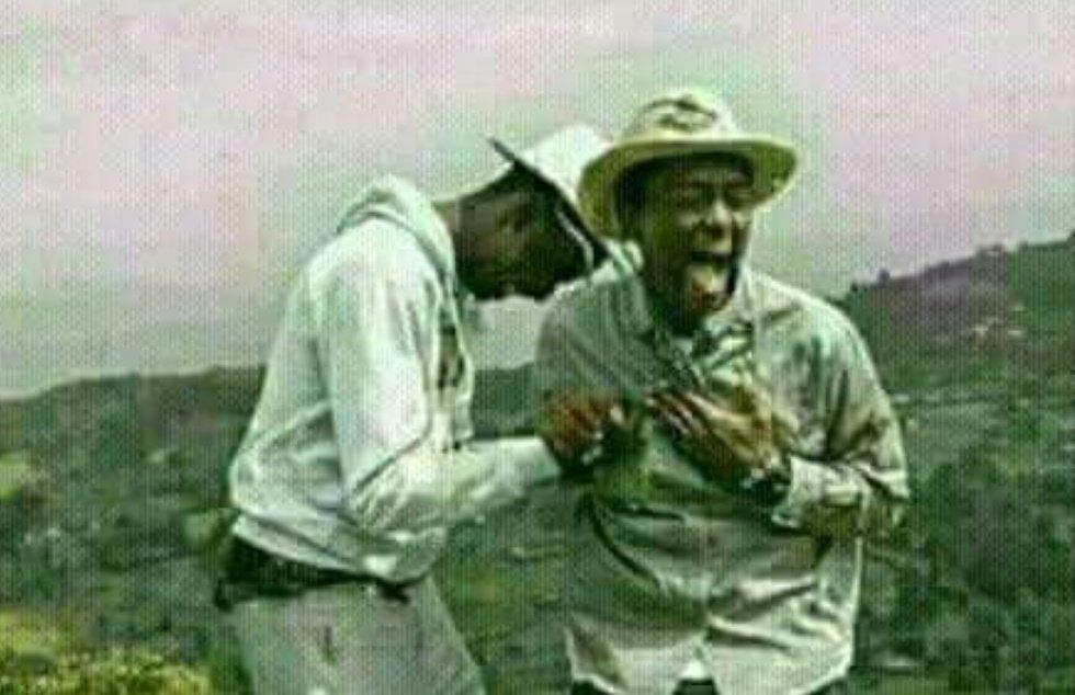 Kua bachelor si ni ngumu... nimetafuta duster ya kuosha nyumba the last 30 minutes. Kumbe ndio nimevaa. 😂😂😂