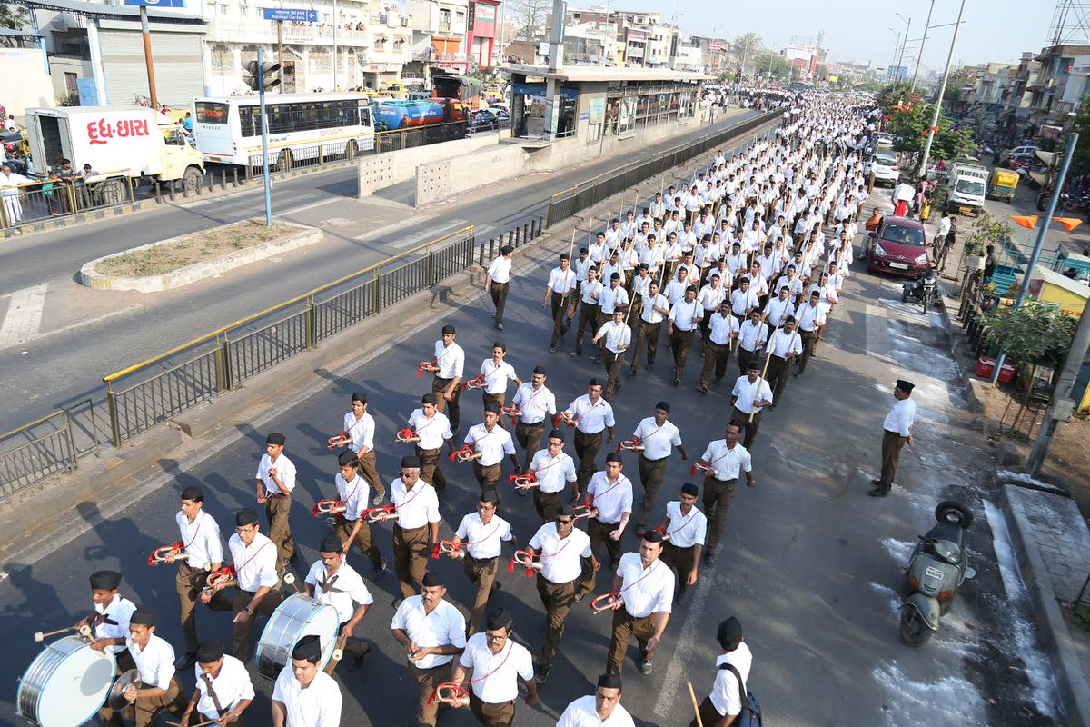 RSS holds first path sanchalan in Ahmedabad in its new uniform