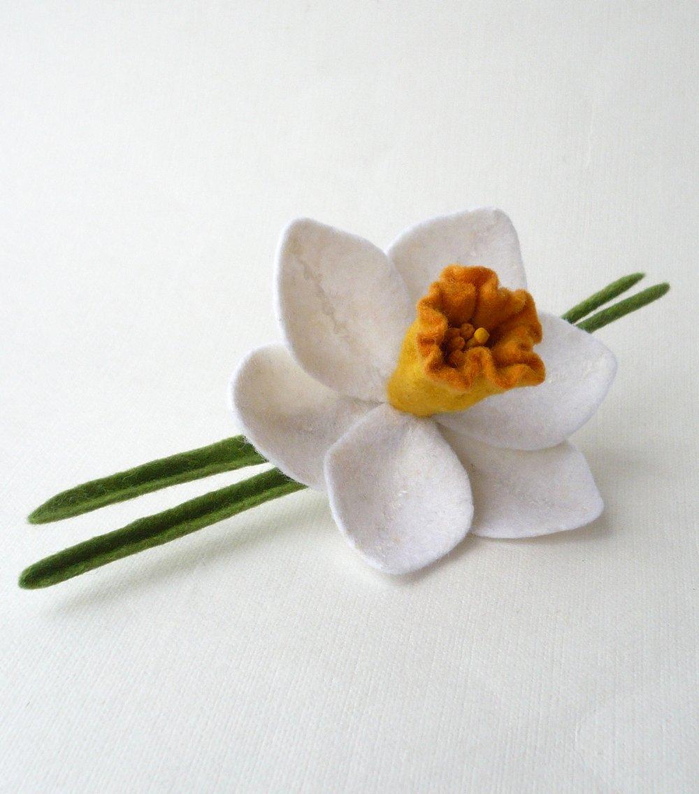 Spring Flower #broochhandmade #handmadejewelry #felted #springflowers #ручнаяработа #подарокна8марта #чтоподарить https://www.etsy.com/listing/90120207/felt-brooch-white-narcissus-daffodil?ref=listing-shop-header-0…pic.twitter.com/dSBiZXFiAL
