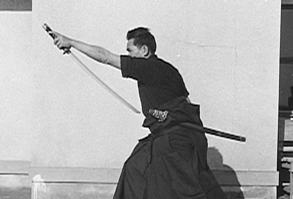 #RyuKuze creating - the final duel of Sanjuro #椿三十郎 - #AkiraKurosawa #黒沢明 #ToshiroMifune #三船敏郎 #TatsuyaNakadai #仲代達矢 - @wrongreel WR366: goo.gl/BuvSbB