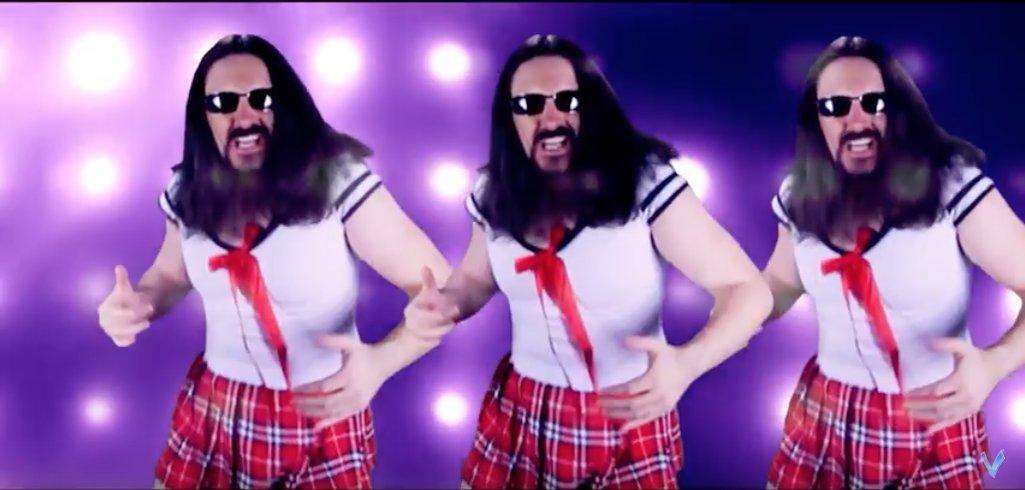 最近見つけた、セーラー服着た強そうなおっさんがポプテピピックのOPをメタルカバーしてる動画、すごい好き