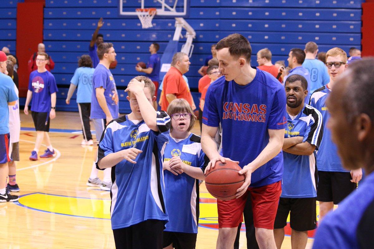 8d7f88b83438 Kansas Basketball on Twitter