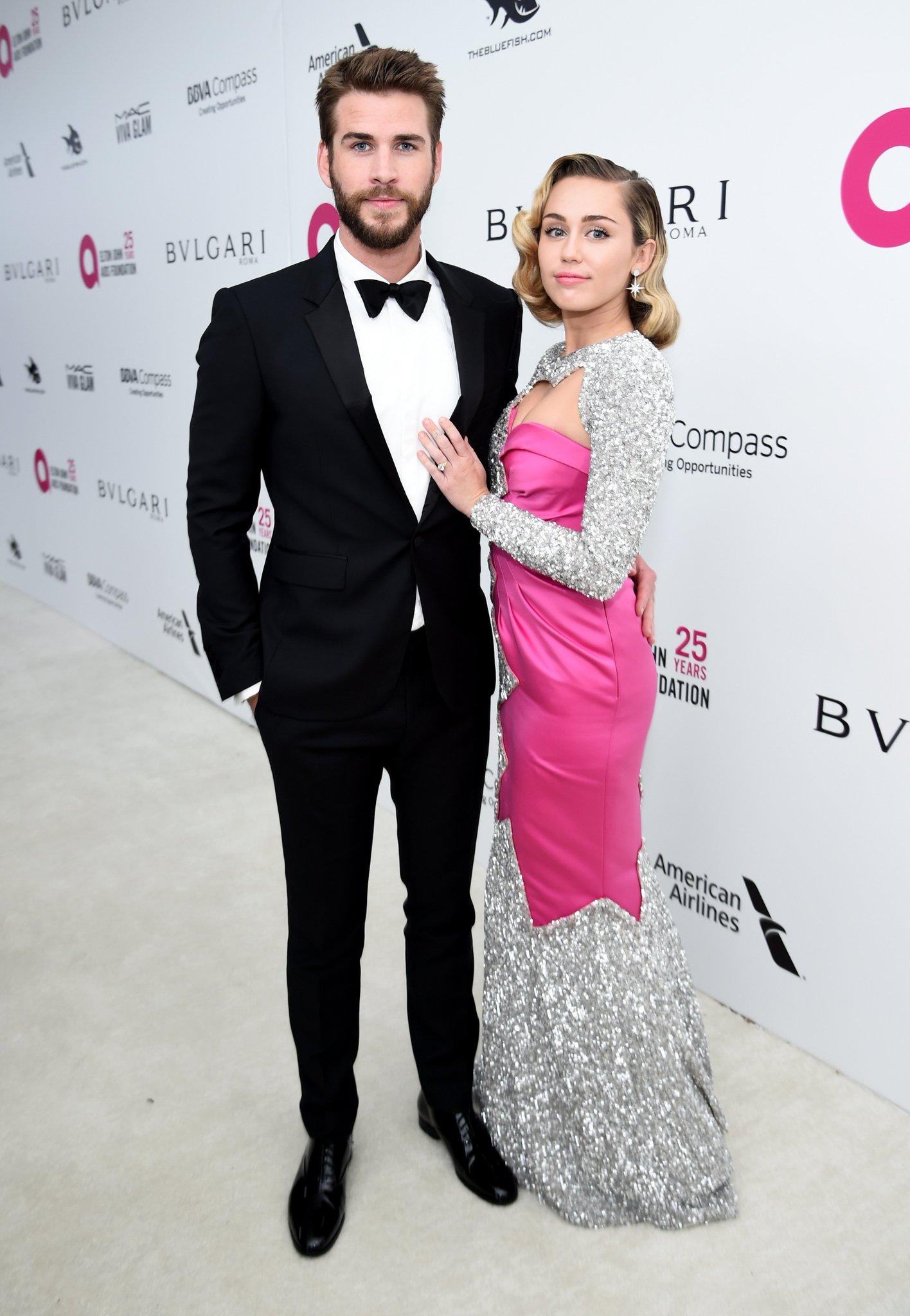 Cute couple alert! �� #Oscars https://t.co/V4IOlyUIvK