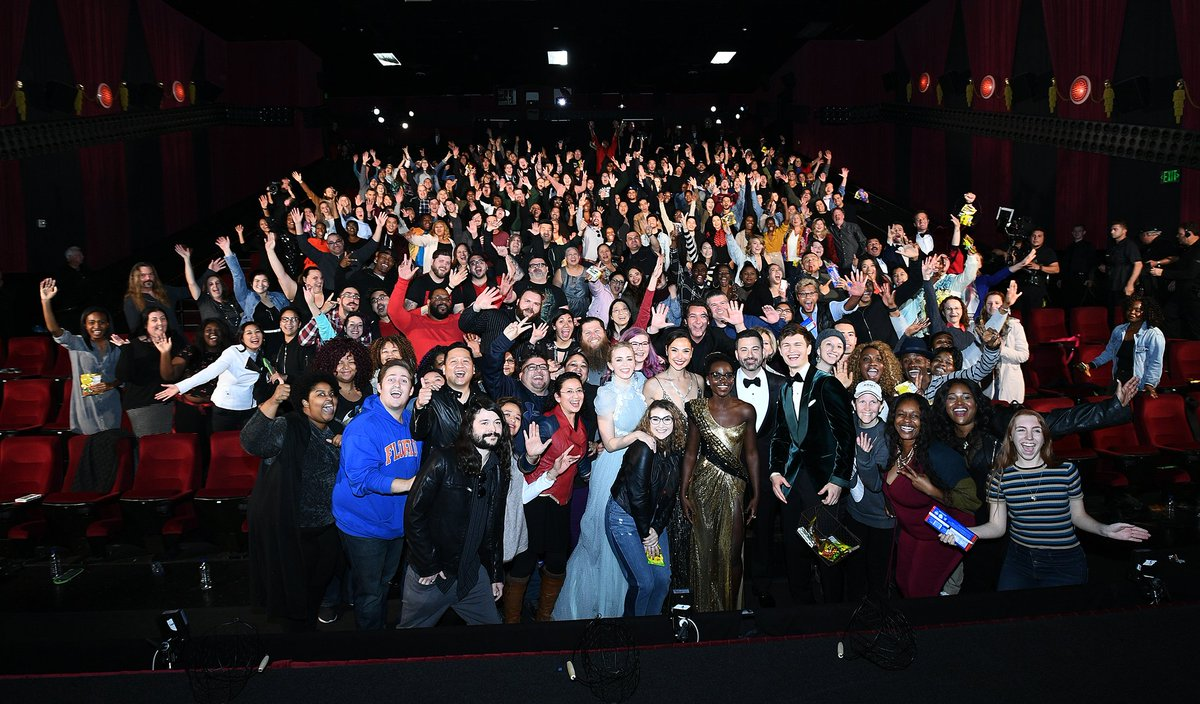 This was not your average screening of #WrinkleInTime... #Oscars @GalGadot @AnselElgort @MargotRobbie @HamillHimself @RealGDT #EmilyBlunt @Lupita_Nyongo @ArmieHammer @Lin_Manuel @IamGuillermo @ChineseTheatres