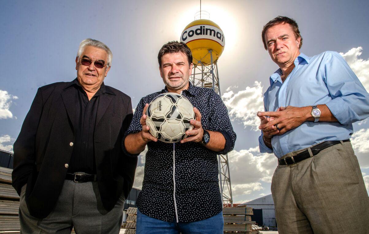 """Tres en el Fondo on Twitter: """"Este martes 6 de marzo vuelve Tres en el  Fondo con Rafael Emilio Santiago, @wdgullaci y @Campera14. Desde las 21,  por LU2 AM 840, FM 92.7 y por Internet https://t.co/3NvTP2Ljqt . FB:  https://t.co/pYvqnaMYBJ …… https"""