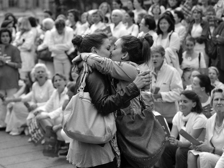 Black white lesbian kiss