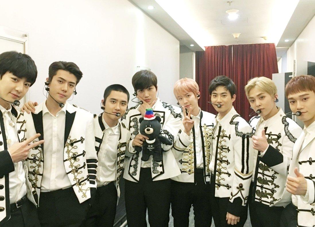 EXO集合写真