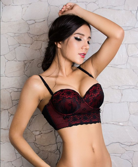 Who needs #MondayMotivation when you have #AbieSmith? Not us! #livejasmin #model #camgirl https://t.