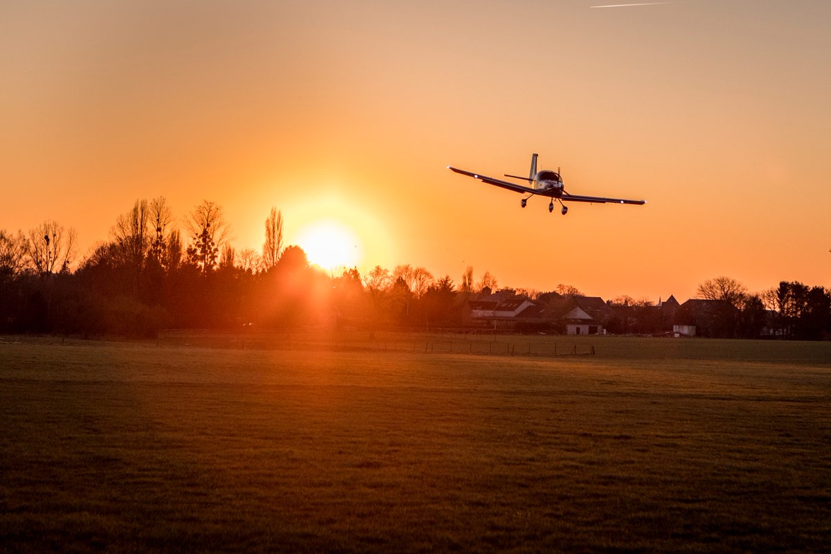 Sonaca Aircraft On Twitter A Sunset Flight  F0 9f 8c 87 Always A Wonderful Moment A Nice Evening To You All Avgeeksfr Avgeekofficial  F0 9f 9b A9 Sonaca200