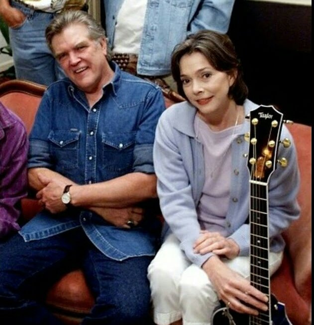 Reddirt Roots On Twitter Guy Clark Nanci Griffith And More Perform Desperados Waiting For A Train Guyclark Nancigriffith Bobbymoore Https T Co Luhkmgwk4k Https T Co Hhx14ix0j7