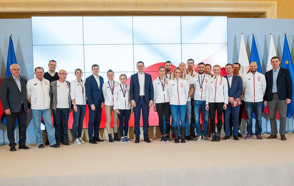 📸 Powitanie polskich medalistów przez pr...