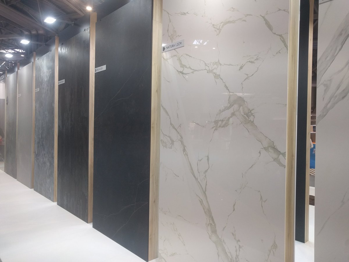 An amazing @Silestone display at #kbb18 We had a great time looking at the new stones coming this year. Stoneandglass.co.uk #interiordesign #MondayMotivation