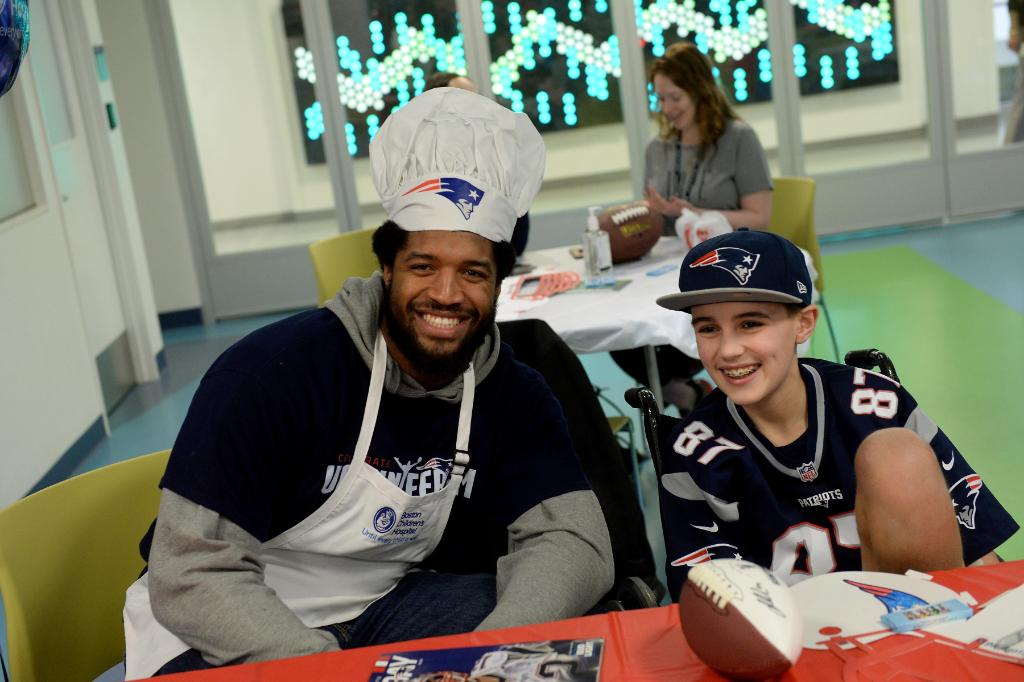 Thank you, @Patriots, for the special #PancakeDay visit for the kids at @BostonChildrens!<br>http://pic.twitter.com/y59oS3WHYv