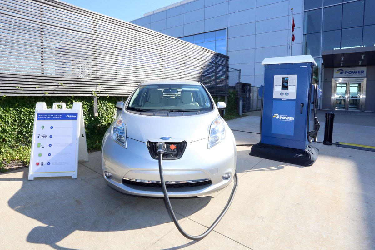 government incentives to electric vehicle producers and German chancellor angela merkel's government reached a deal with automakers to jointly spend 12 billion euros ($14 billion) on incentives to boost sluggish electric-car sales buyers will be.