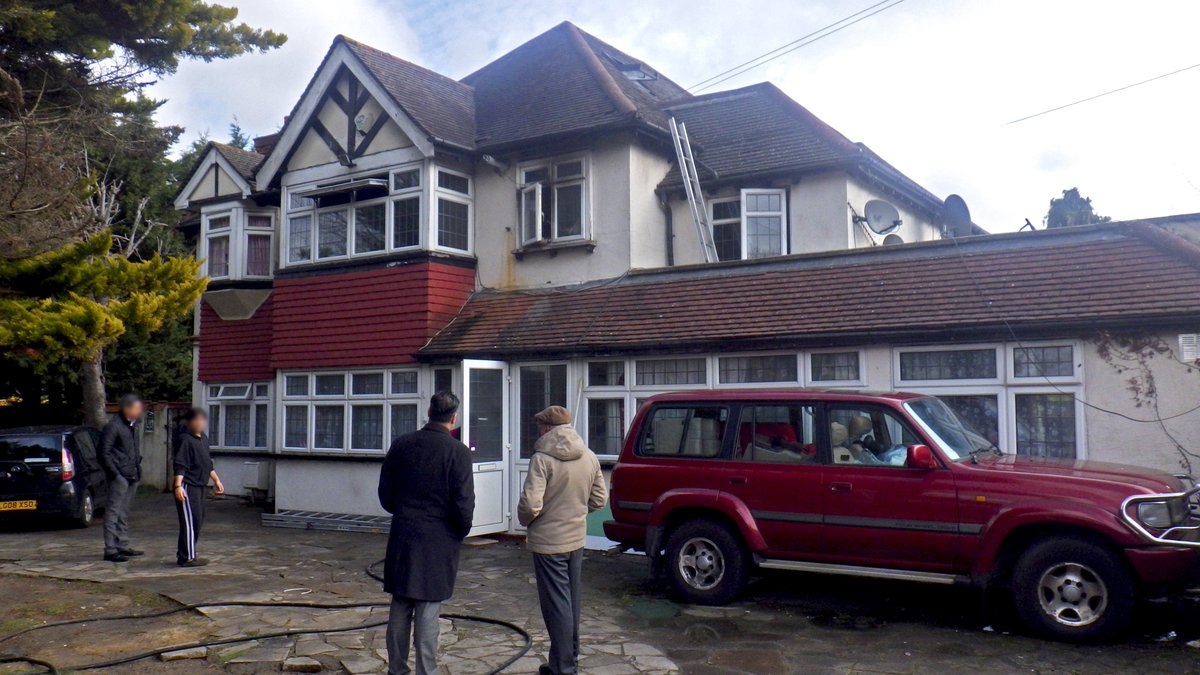 #thisweek Firefighters rescued two dogs and two cats from a fire at a flat in #Croydon https://t.co/yMRV21g9EH
