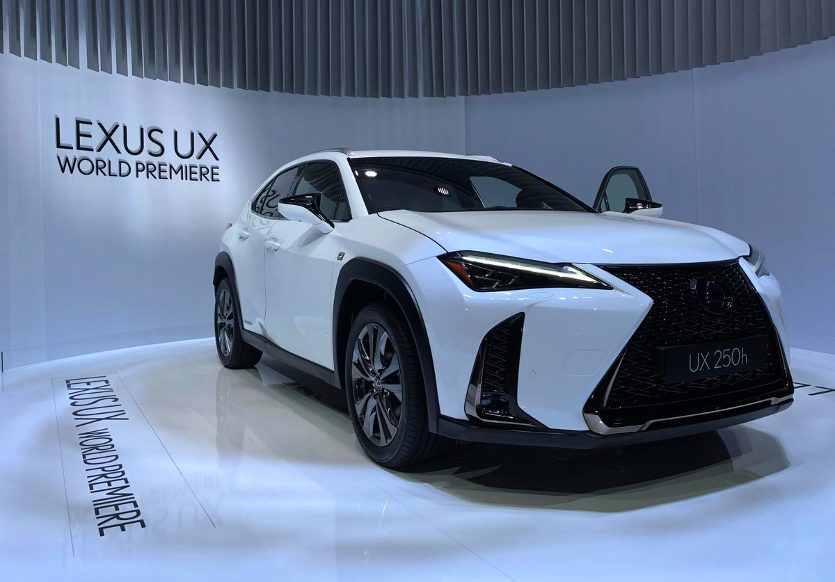 Edmunds On Twitter The Lexus Ux H Made Their World Debut Gimswiss Gimswiss.