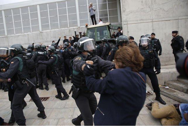 La Organización contra la Tortura critica a España junto a Congo, Sudán, Honduras y Togo por el uso excesivo de la fuerza para reprimir protestas pacíficas eldiario.es/desalambre/Org…