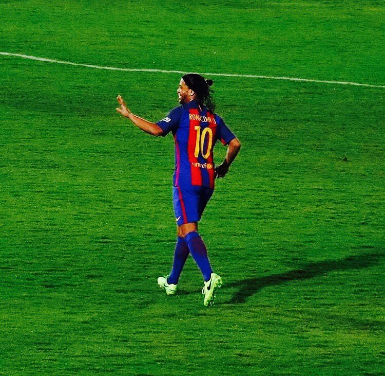 La magia del fútbol 🤙🇧🇷 https://t.co/c20...
