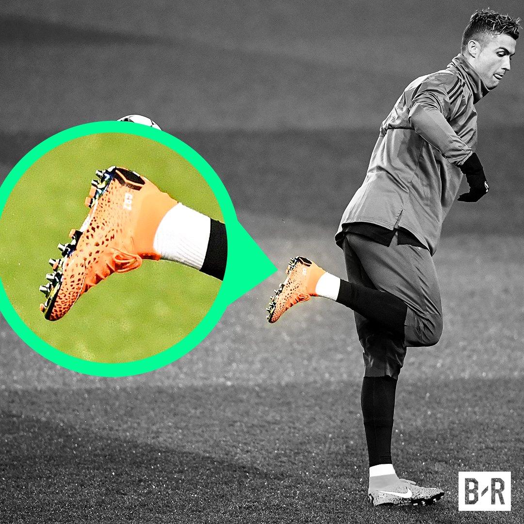 premium selection cc265 ab1d2 Cristiano Ronaldo rock Nike Mercurial Superfly boots ...