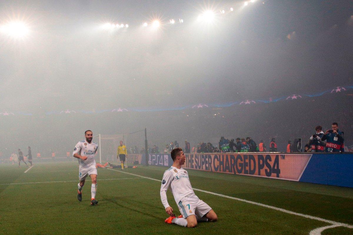 DXopWiXWkAAkc K - Cristiano Ronaldo Gets Trolled By Conor McGregor