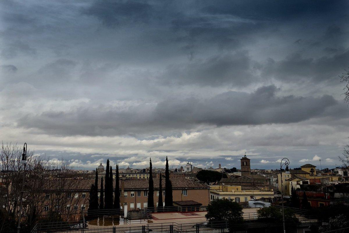 La nuvola più bella della mia vita #romaconimieiocchi #RomeIsUs #roma #6marzo #winter #rome @Mysnughome1 @Mustapha1508 @TrastevereRM @poggiamorella60 @caputmundiHeidi @fiorillomanuel1 @archivetro @SandroBrizzola4 @isolearan1 @JPaul33267538 @Gianlucapica91 @PJL813 @PasqualeTotaro